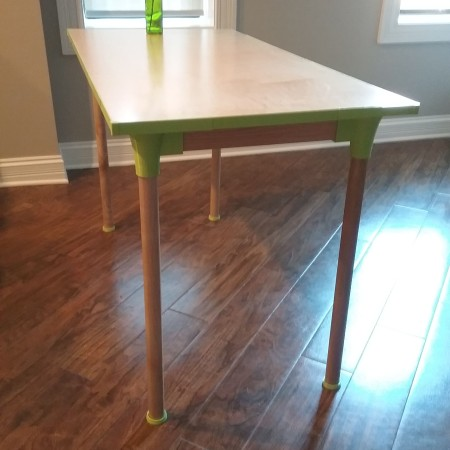 Dining Table with 3D printed parts