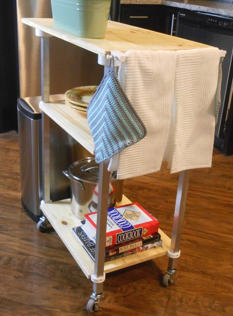 Kitchen cart with 3d printed brackets